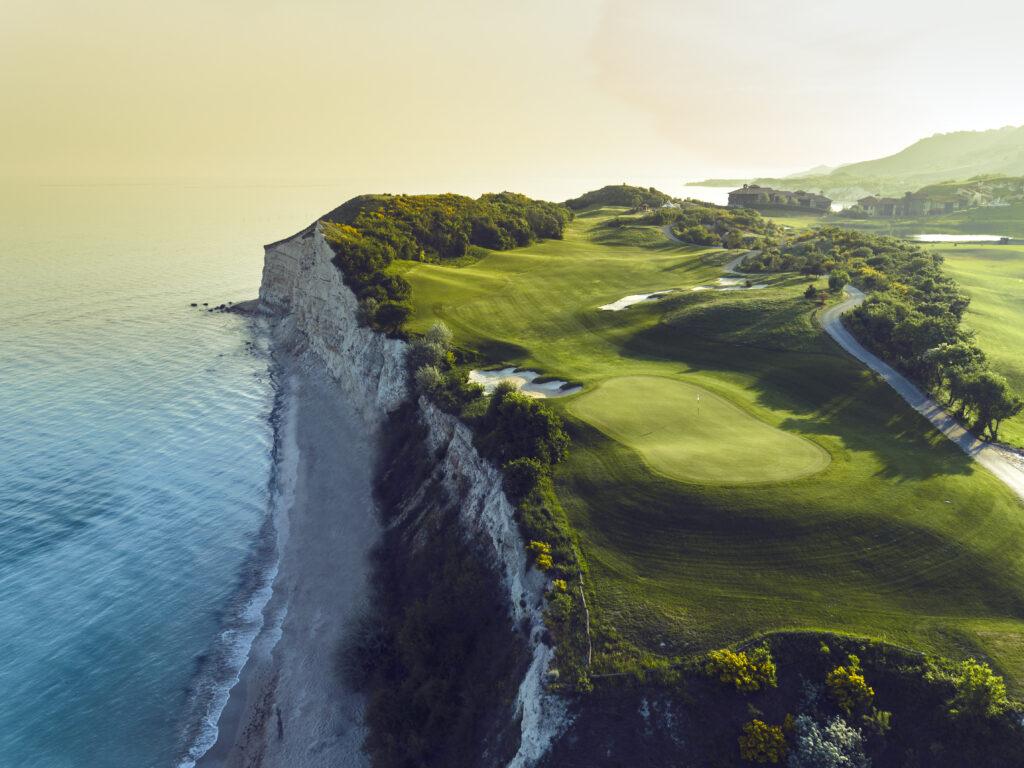 Tharcian Bulgarien One Travel Golf