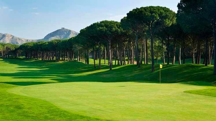 Emporda One Travel golf